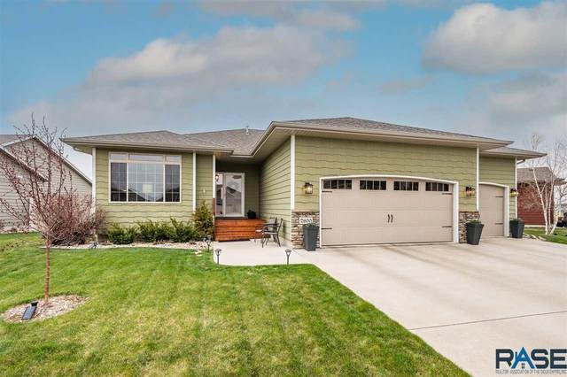 2600 S Kierra Ct, Sioux Falls, SD 57106 (MLS #22101915) :: Tyler Goff Group
