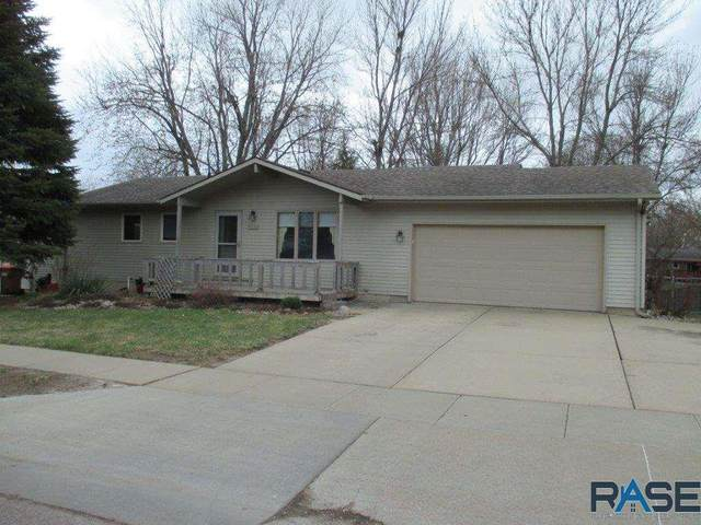 6301 W 46th St, Sioux Falls, SD 57106 (MLS #22101946) :: Tyler Goff Group