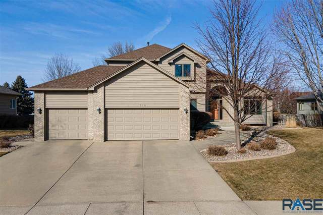 710 E Inverness Dr, Sioux Falls, SD 57108 (MLS #22101950) :: Tyler Goff Group
