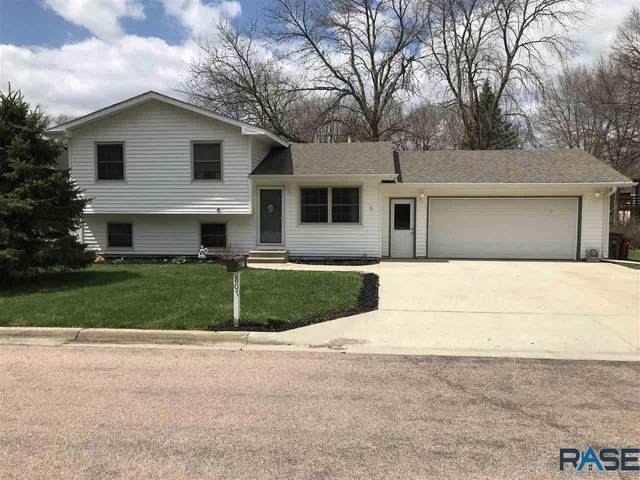 807 N Milwaukee St, Canton, SD 57013 (MLS #22102102) :: Tyler Goff Group