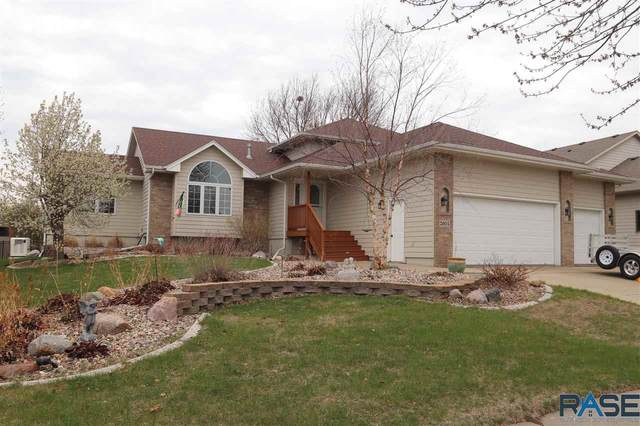 2604 S Rutgers Ave, Sioux Falls, SD 57106 (MLS #22102167) :: Tyler Goff Group
