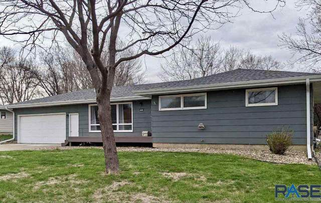 5000 W 37th St, Sioux Falls, SD 57106 (MLS #22102170) :: Tyler Goff Group