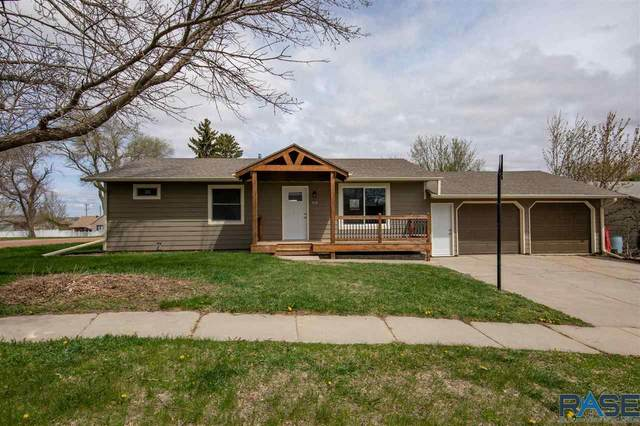 512 W 2nd St, Dell Rapids, SD 57022 (MLS #22102320) :: Tyler Goff Group