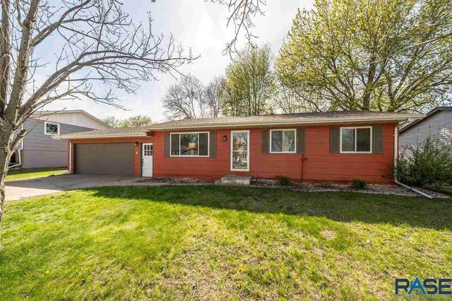3923 S Holbrook Ave, Sioux Falls, SD 57106 (MLS #22102351) :: Tyler Goff Group