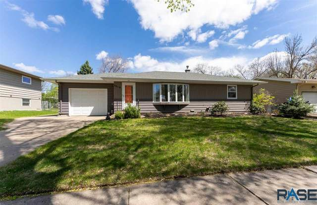 3016 S Carter Pl, Sioux Falls, SD 57105 (MLS #22102364) :: Tyler Goff Group