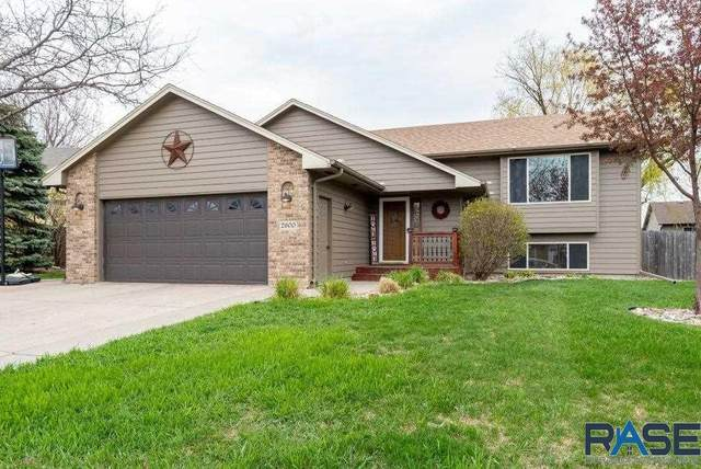 2600 S Alpine Ave, Sioux Falls, SD 57110 (MLS #22102390) :: Tyler Goff Group