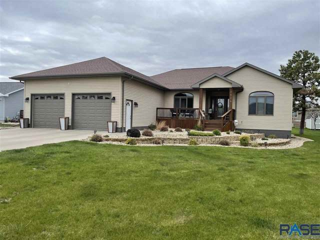 2824 Dailey Dr, Mitchell, SD 57301 (MLS #22102395) :: Tyler Goff Group