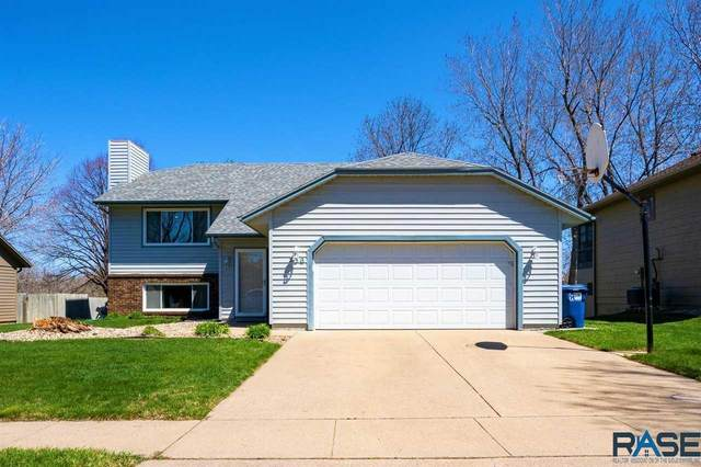 736 N Columbia Dr, Sioux Falls, SD 57103 (MLS #22102397) :: Tyler Goff Group