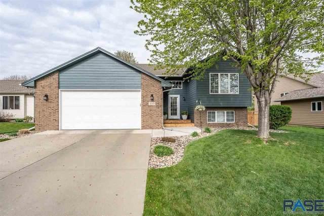 3243 S Pillsberry Ave, Sioux Falls, SD 57103 (MLS #22102400) :: Tyler Goff Group