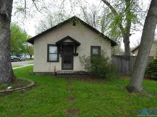 1624 N Jessica Ave, Sioux Falls, SD 57103 (MLS #22102403) :: Tyler Goff Group