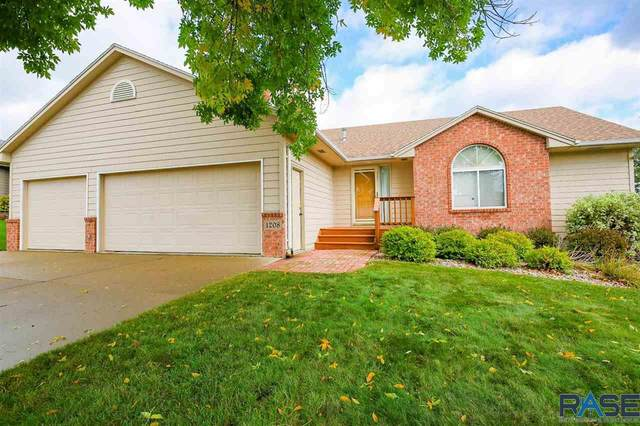 1208 E 62nd St, Sioux Falls, SD 57108 (MLS #22102579) :: Tyler Goff Group