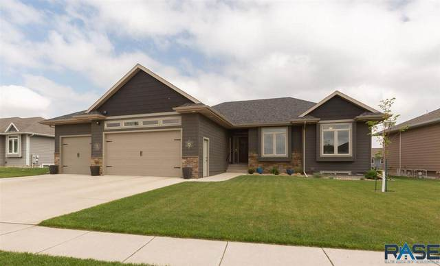 8104 W 32nd St, Sioux Falls, SD 57106 (MLS #22102649) :: Tyler Goff Group