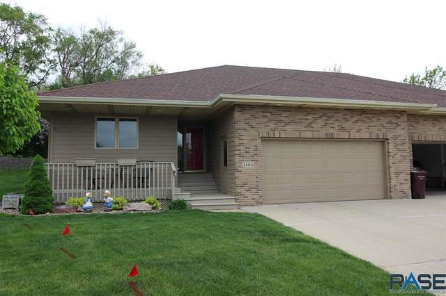 1400 S Lighthouse Pl, Sioux Falls, SD 57103 (MLS #22102675) :: Tyler Goff Group