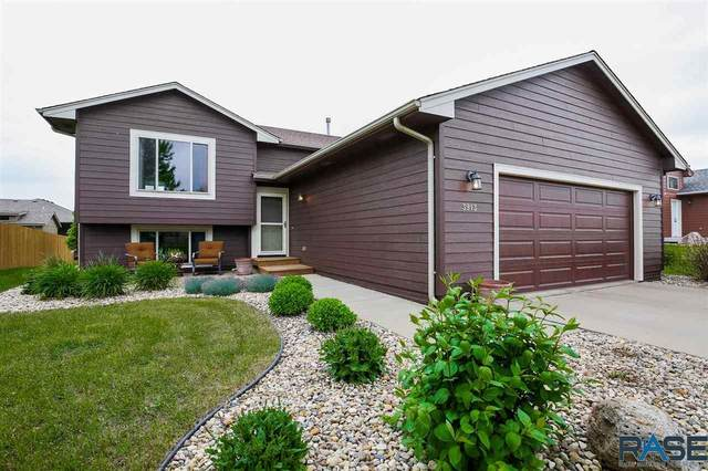 3913 S Outfield Ave, Sioux Falls, SD 57110 (MLS #22102743) :: Tyler Goff Group