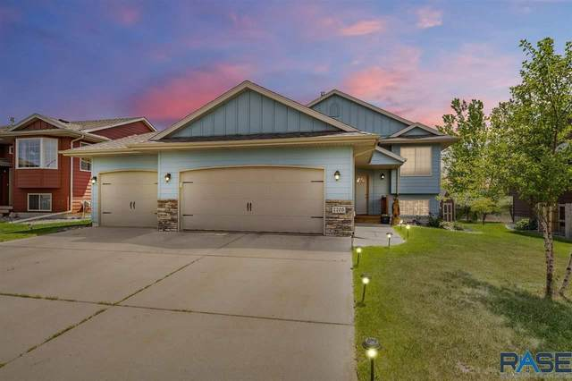 7705 W 55th St, Sioux Falls, SD 57106 (MLS #22102861) :: Tyler Goff Group