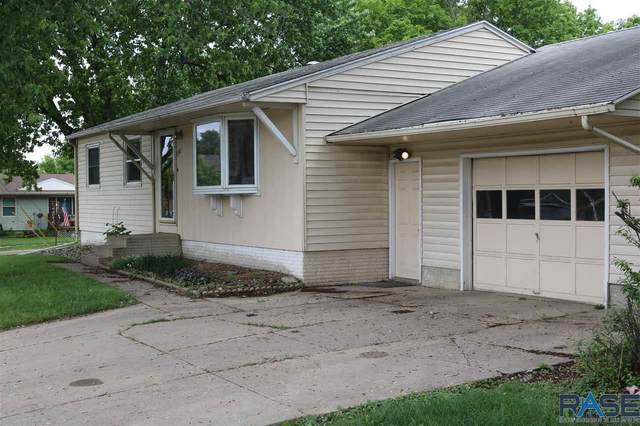 3700 E 26th St, Sioux Falls, SD 57103 (MLS #22102918) :: Tyler Goff Group