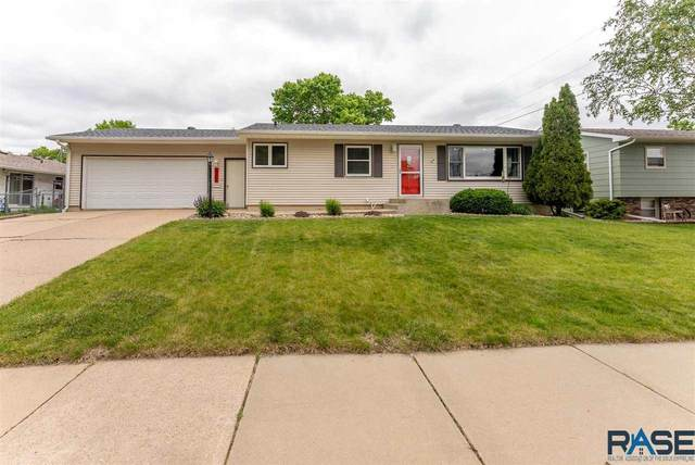 3209 S 2nd Ave, Sioux Falls, SD 57105 (MLS #22102935) :: Tyler Goff Group