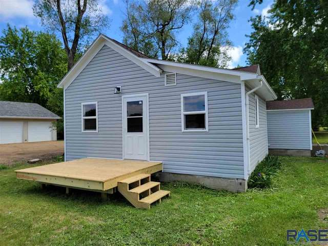 513 SE 3rd St, Madison, SD 57042 (MLS #22102947) :: Tyler Goff Group