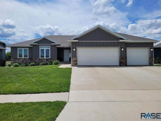 8205 S Schofield Ave, Sioux Falls, SD 57108 (MLS #22102981) :: Tyler Goff Group