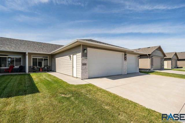 5504 S Woodsedge Trl, Sioux Falls, SD 57108 (MLS #22103128) :: Tyler Goff Group
