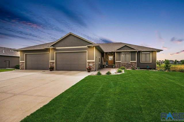 409 E 77th St, Sioux Falls, SD 57108 (MLS #22103141) :: Tyler Goff Group