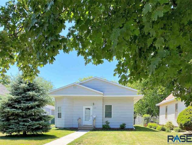 1117 S Duff St, Mitchell, SD 57301 (MLS #22103280) :: Tyler Goff Group