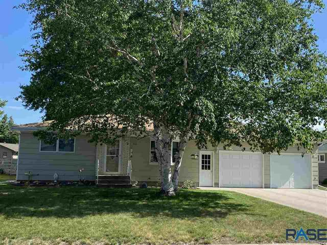 910 12th Ave, Mitchell, SD 57301 (MLS #22103297) :: Tyler Goff Group