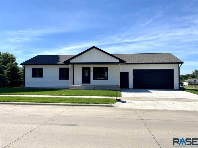 209 E 15th St, Dell Rapids, SD 57022 (MLS #22103324) :: Tyler Goff Group