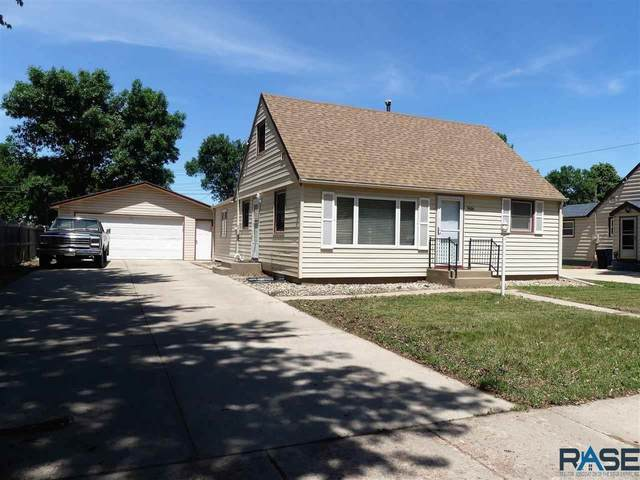 5608 W 15th St, Sioux Falls, SD 57106 (MLS #22103344) :: Tyler Goff Group