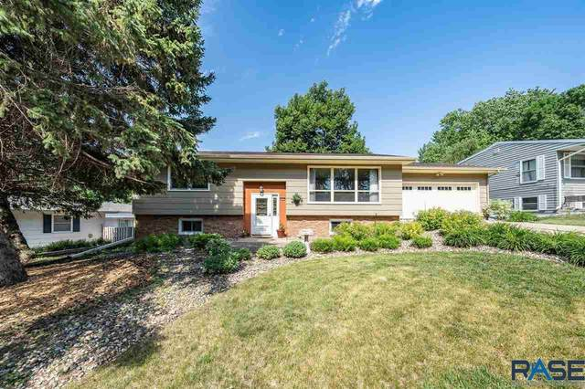 2813 S Williams Ave, Sioux Falls, SD 57105 (MLS #22103354) :: Tyler Goff Group