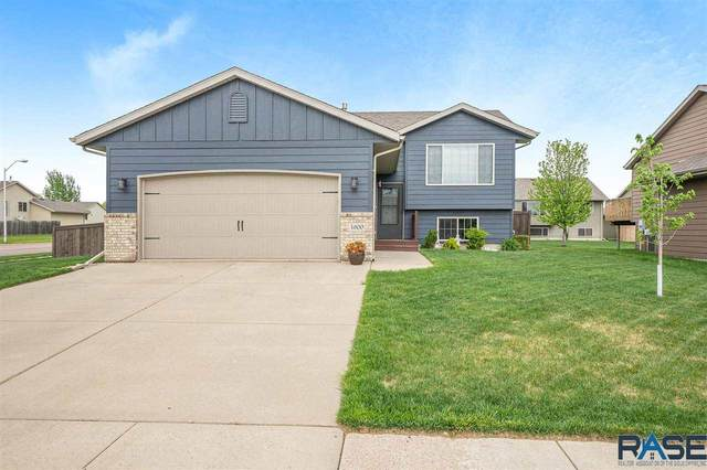 4600 S Grinnell Ave, Sioux Falls, SD 57106 (MLS #22103355) :: Tyler Goff Group