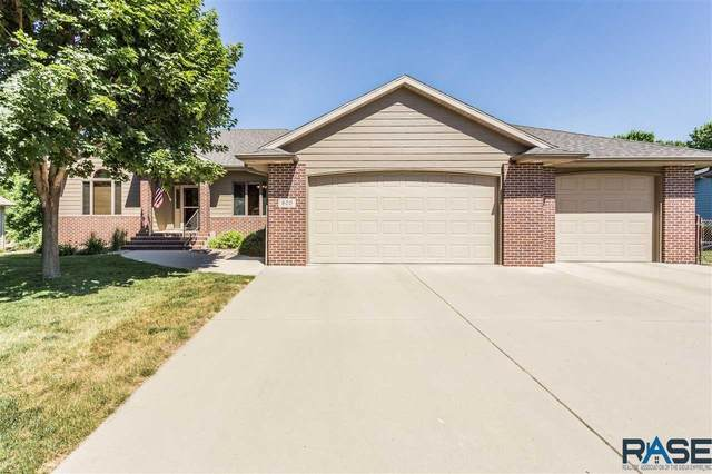 800 S Horizon Ln, Sioux Falls, SD 57106 (MLS #22103373) :: Tyler Goff Group