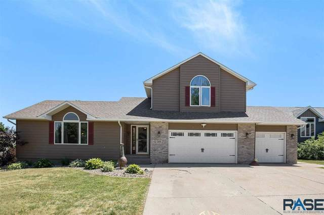 7101 W Selkirk Trl, Sioux Falls, SD 57106 (MLS #22103394) :: Tyler Goff Group