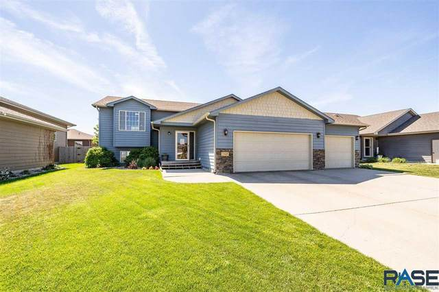 2305 S Mary Beth Ave, Sioux Falls, SD 57106 (MLS #22103395) :: Tyler Goff Group