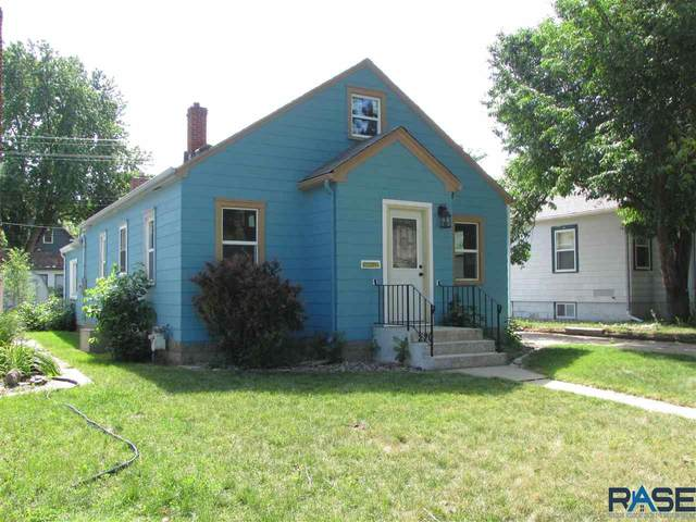 220 N Lake Ave, Sioux Falls, SD 57104 (MLS #22103397) :: Tyler Goff Group