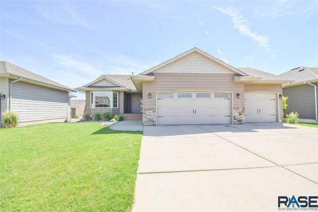 2516 S Lancaster Dr, Sioux Falls, SD 57106 (MLS #22103404) :: Tyler Goff Group