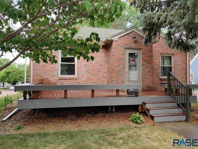 621 S Lake Ave, Sioux Falls, SD 57104 (MLS #22103417) :: Tyler Goff Group