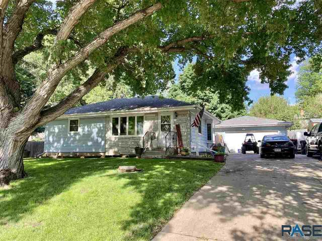 412 S 4th Ave, Brandon, SD 57005 (MLS #22103434) :: Tyler Goff Group