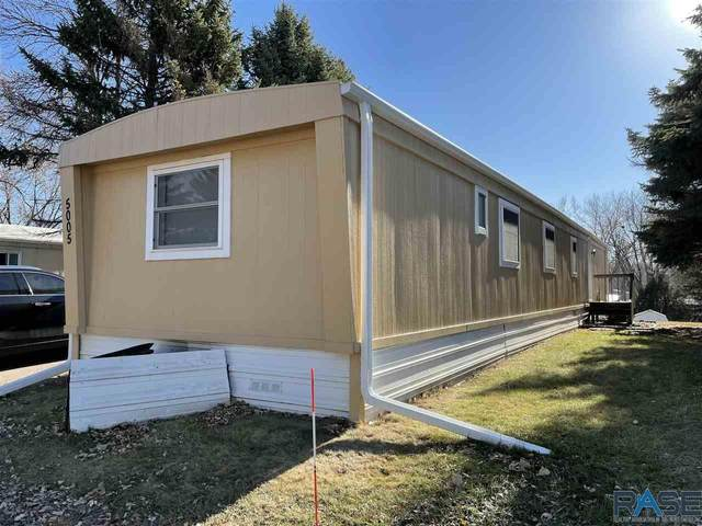 5005 W 16th Pl, Sioux Falls, SD 57106 (MLS #22103444) :: Tyler Goff Group