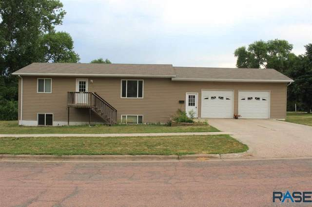 606 N Union Ave, Madison, SD 57042 (MLS #22103458) :: Tyler Goff Group