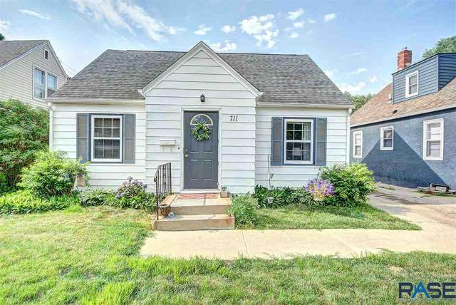 711 E 26th St, Sioux Falls, SD 57105 (MLS #22103497) :: Tyler Goff Group