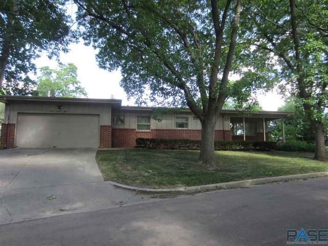 1228 S Holly Dr, Sioux Falls, SD 57105 (MLS #22103511) :: Tyler Goff Group