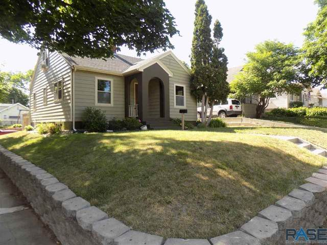 2027 S Center Ave, Sioux Falls, SD 57105 (MLS #22103513) :: Tyler Goff Group