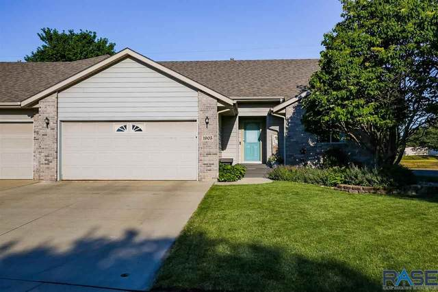1905 S Campbell Trl, Sioux Falls, SD 57106 (MLS #22103518) :: Tyler Goff Group