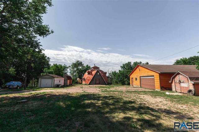 2813 N Lewis Ave, Sioux Falls, SD 57104 (MLS #22103520) :: Tyler Goff Group