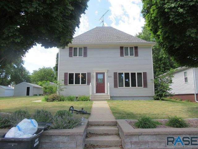 331 2nd St, Chandler, MN 56122 (MLS #22103536) :: Tyler Goff Group