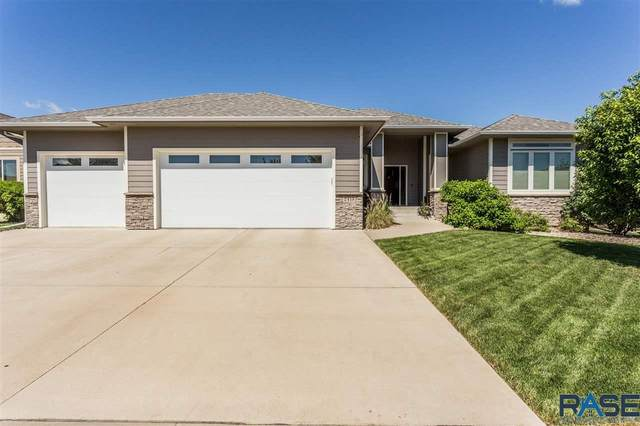2413 S Lillian Ave, Sioux Falls, SD 57106 (MLS #22103549) :: Tyler Goff Group