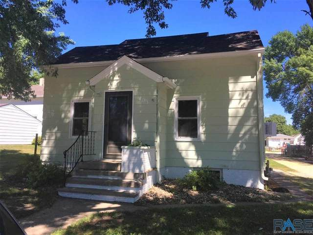 403 Howe St, Luverne, MN 56156 (MLS #22103700) :: Tyler Goff Group