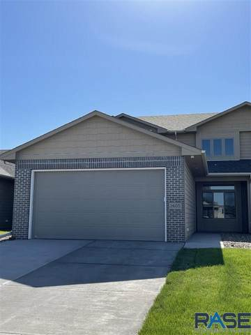 2605 S Kinderhook Ave, Sioux Falls, SD 57106 (MLS #22103709) :: Tyler Goff Group