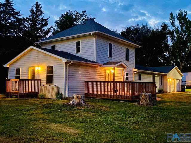 900 Center Ave, Hurley, SD 57036 (MLS #22103804) :: Tyler Goff Group